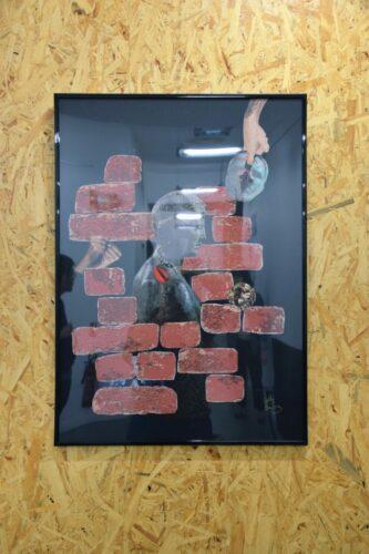 Nelly Sanchez, Triptyque de la Jalousie : C'est parce que je t'aime, 2020, collage (papier glacé, papier à tapisser sur feuille de Canson noire, colle), 50 cm x 70 cm.